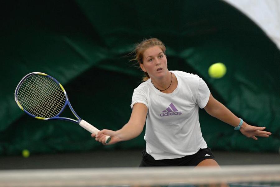 HOFMANOVÁ Nikola (161 WTA)
